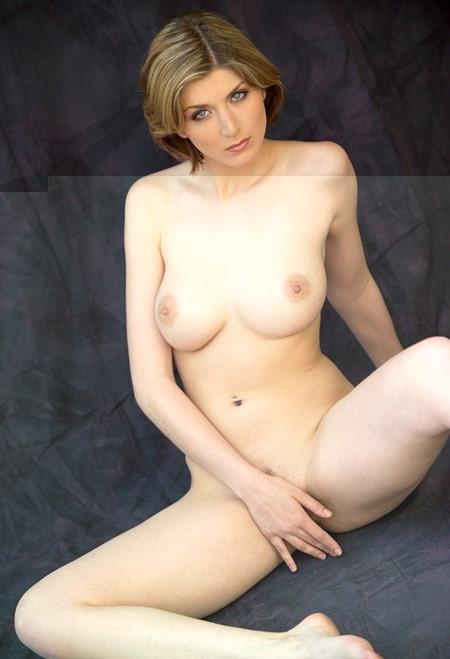 mc-nudes-iva-in-pure