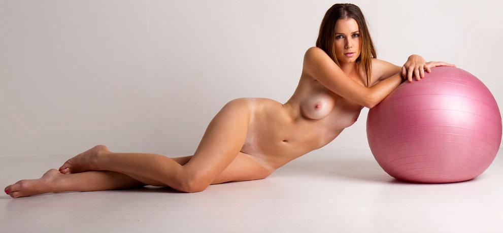mc-nudes-sindy